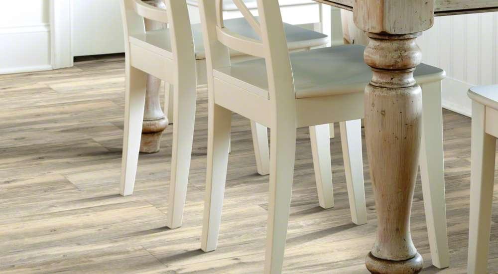 WHAT IS LUXURY VINYL PLANK Outer Banks Floor Covering Inc - Durability of vinyl wood plank flooring
